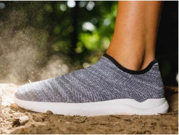Made of nanomaterials, this shoe has 12 main properties