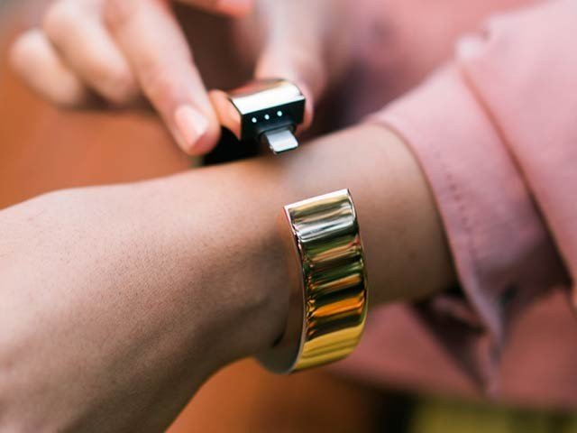 Wristband power bank introduced